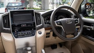 Toyota Land Cruiser 4.6 AXG (8-Seater) - Interior Dash 2