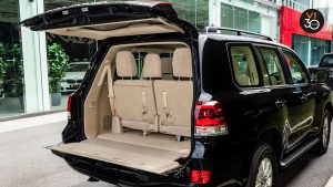 Toyota Land Cruiser 4.6 AXG (8-Seater) - Rear Trunk Space