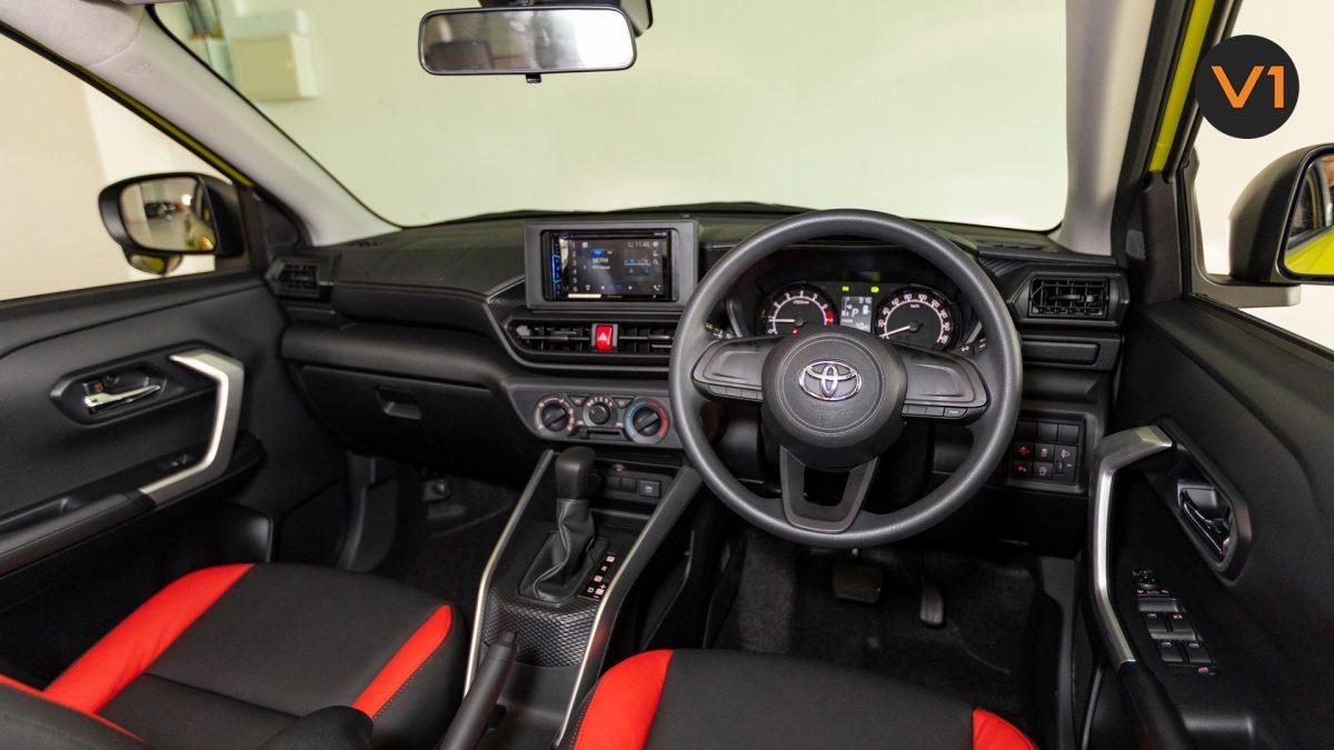 Toyota Raize 1.0 XS - Dashboard