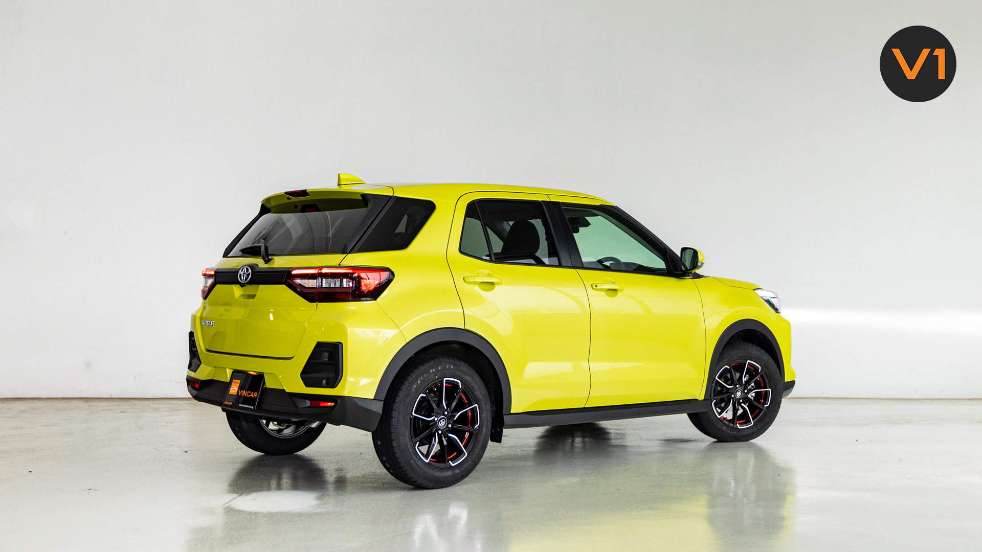 Toyota Raize 1.0 XS - Rear Angle
