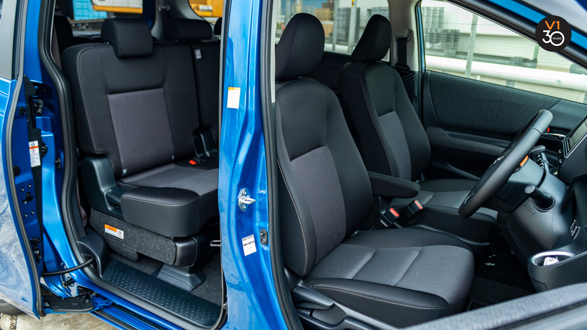 Toyota Sienta 1.5G (New Facelift) - Driver and Passenger Seat