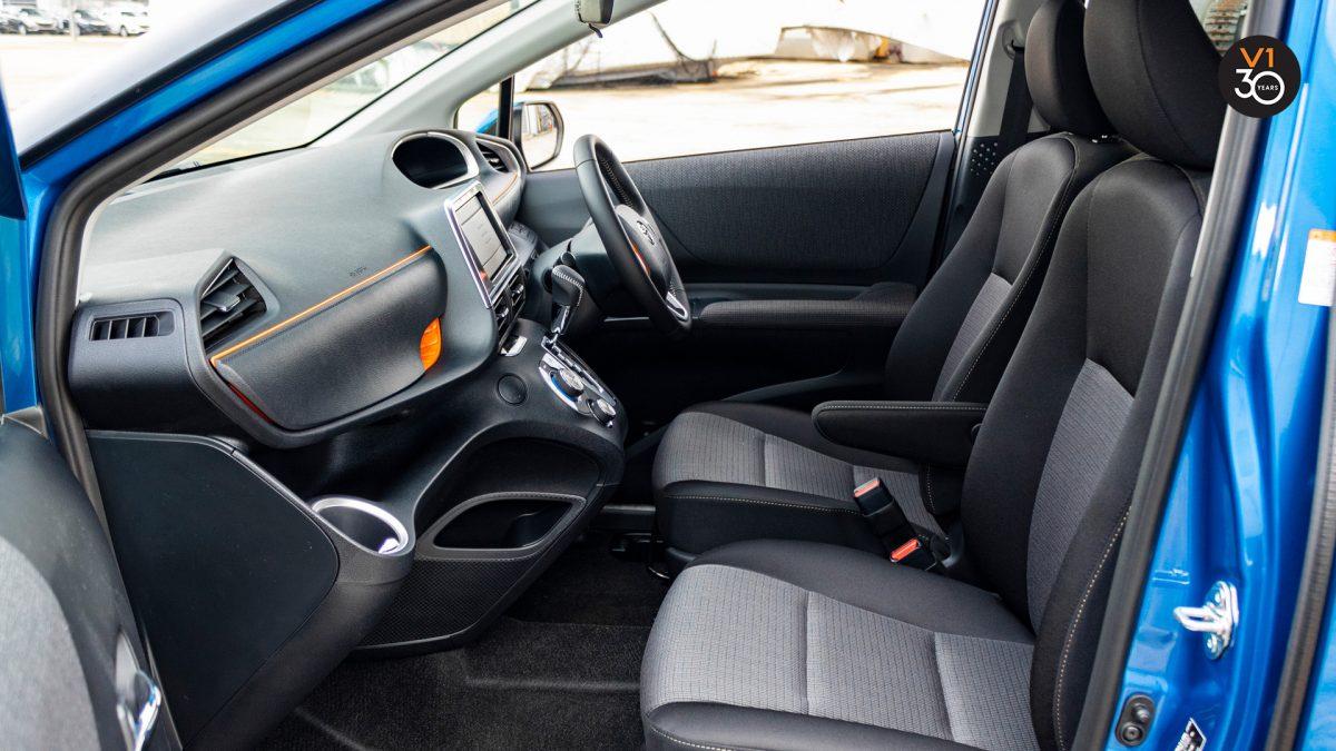 Toyota Sienta 1.5G (New Facelift) - Front Passenger Seat