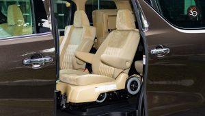 Toyota Vellfire 2.5X Welcab - Detachable Manual Chair