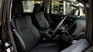 Toyota Vellfire 2.5Z G - Front Seats