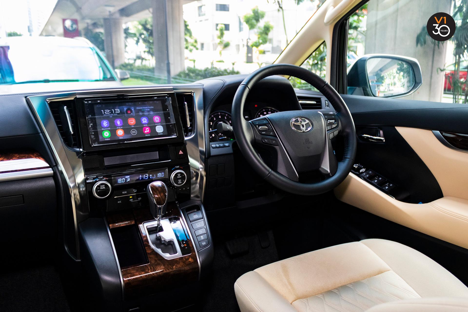 Vellfire2.5X (8 Seater) - Interior Dashboard