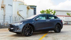 Tesla Model X 100D - Front Angle