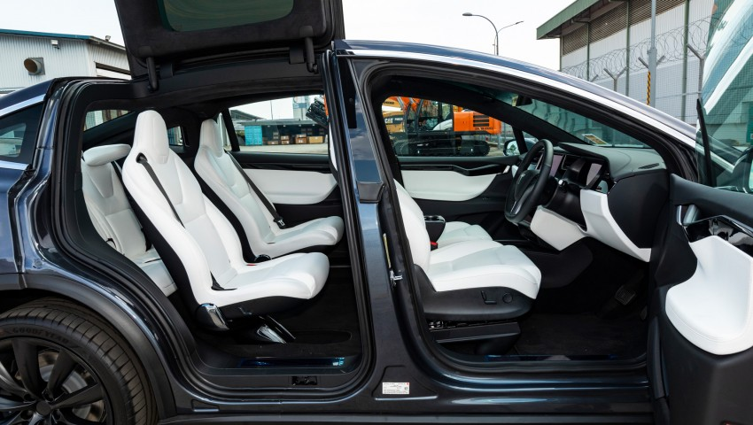 Tesla Model X 100D - Indoor Seats Photo