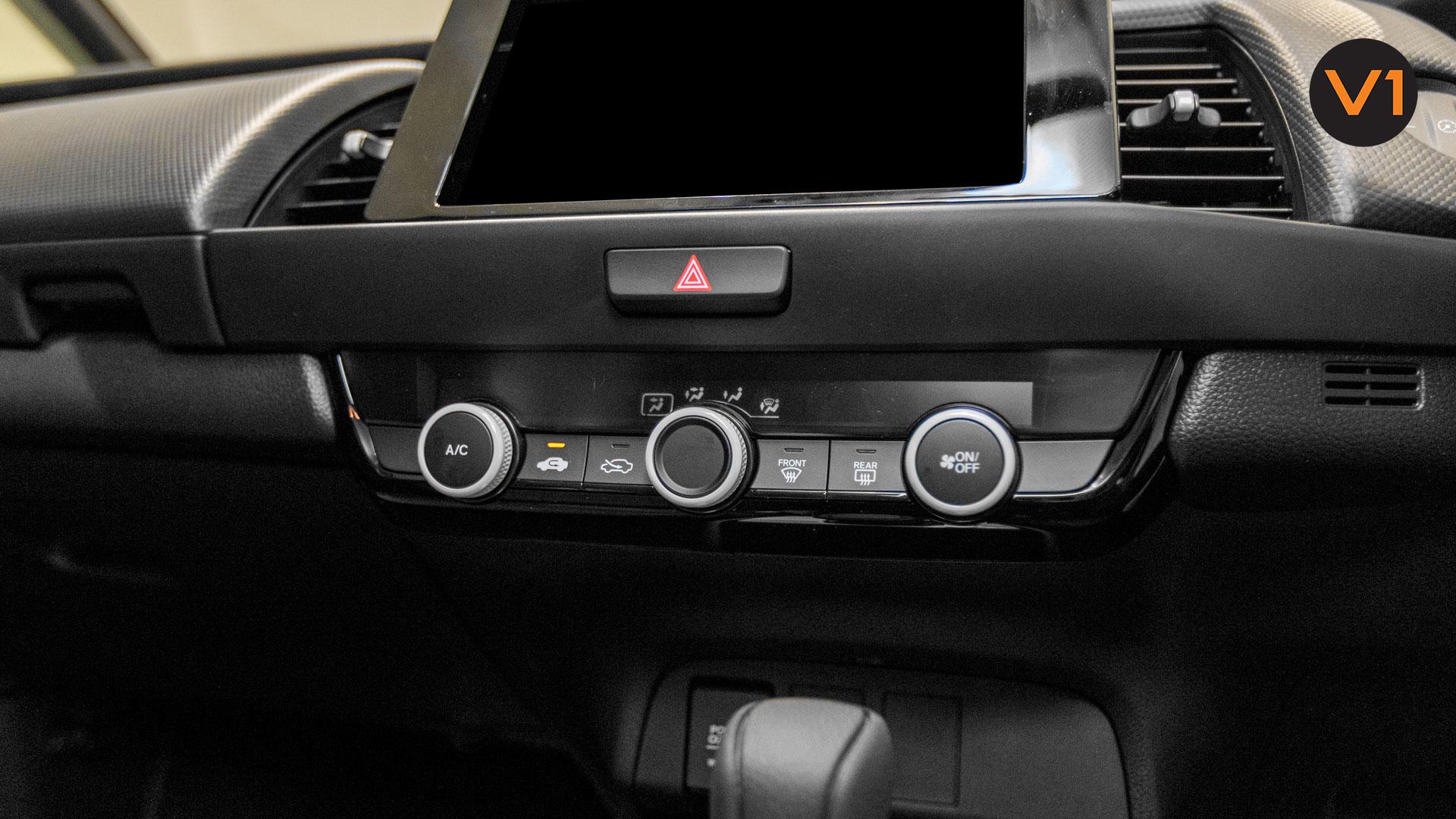 2020 Honda Fit 1.3A - Infotainment