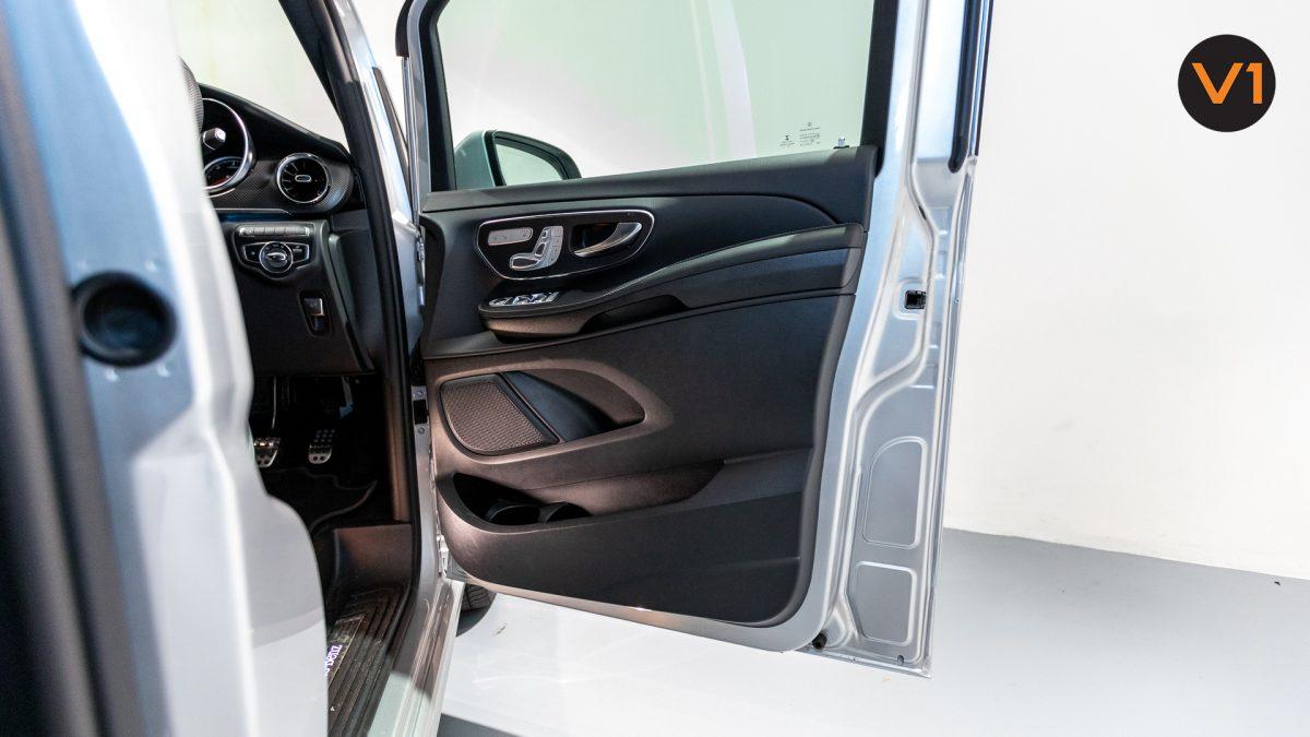 Mercedes-Benz V300D Extra Long AMG Line - Front Door