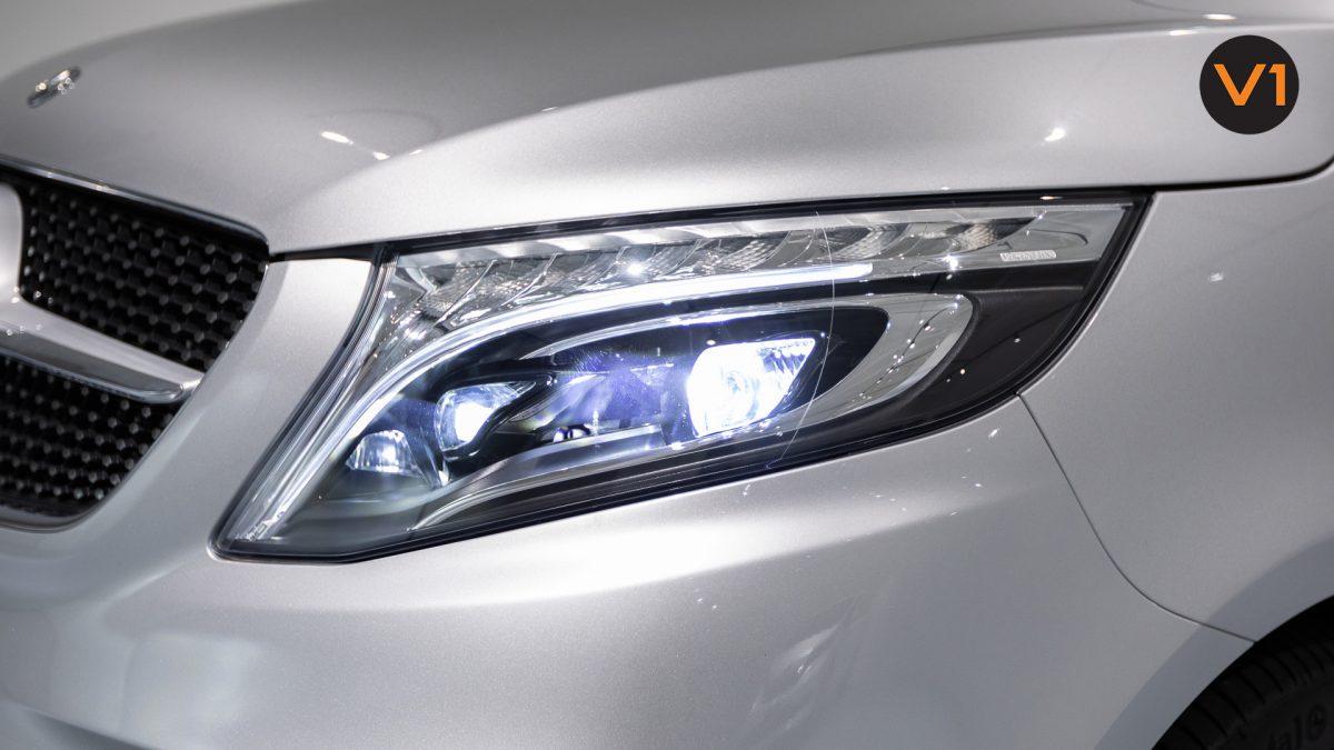 Mercedes-Benz V300D Extra Long AMG Line - Headlamp