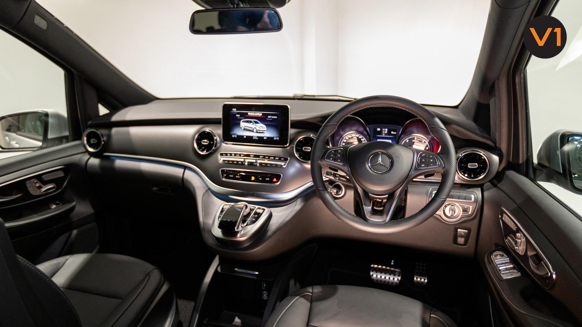 Mercedes-Benz V300D Extra Long AMG Line - Interior Dash