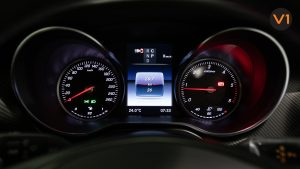 Mercedes-Benz V300D Extra Long AMG Line - Speedometer