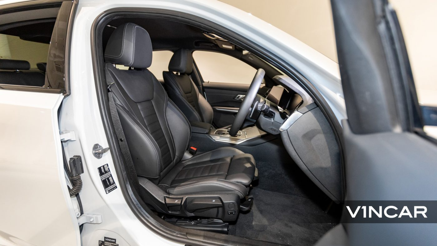 BMW 320I M SPORT SALOON-Driver's Seat