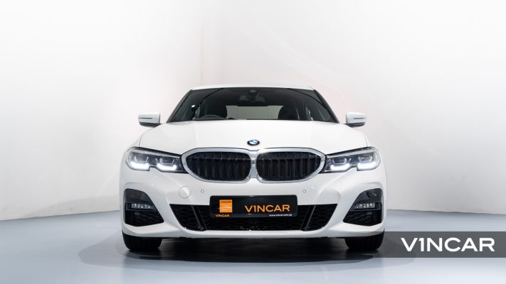 BMW 320I M SPORT SALOON-Front Direct