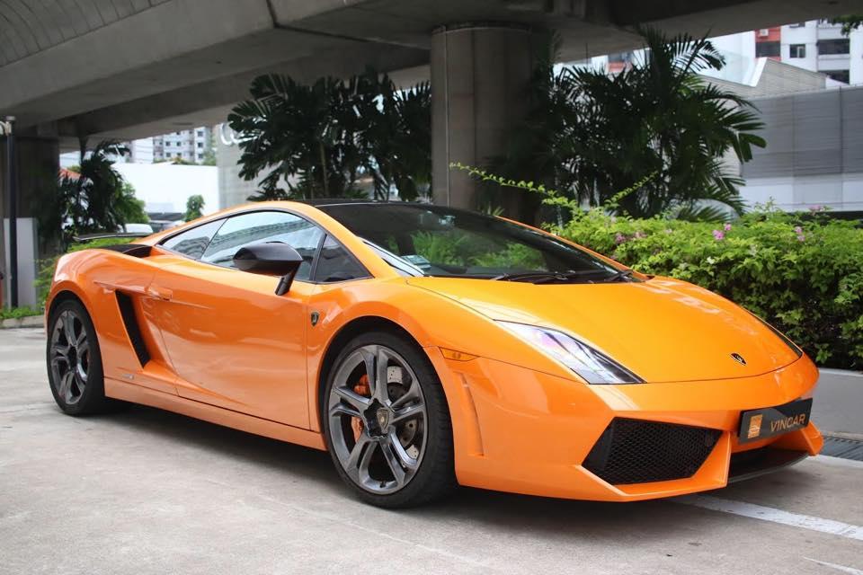 Book a viewing appointment with Lamborghini Gallardo's V10