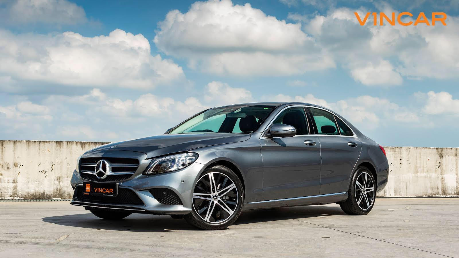 C200 Saloon Sport Premium equipped with EQ Boost