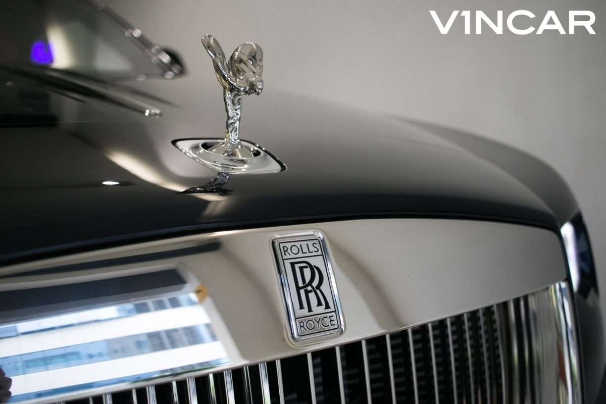 Exquisite, luxurious, elegant, exclusive Rolls-Royce Dawn