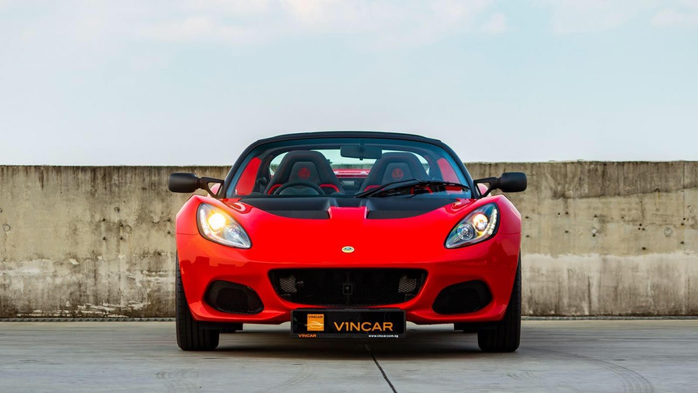Gorgeous Lotus Elise Sport 220 - Light is Might