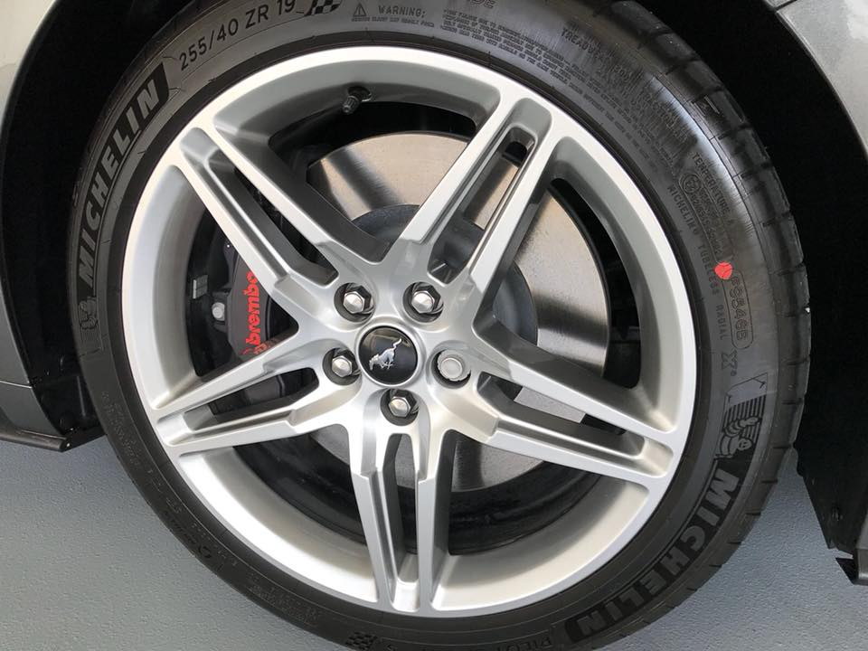 Gorgeous alloy wheels featuring huge brakes behind