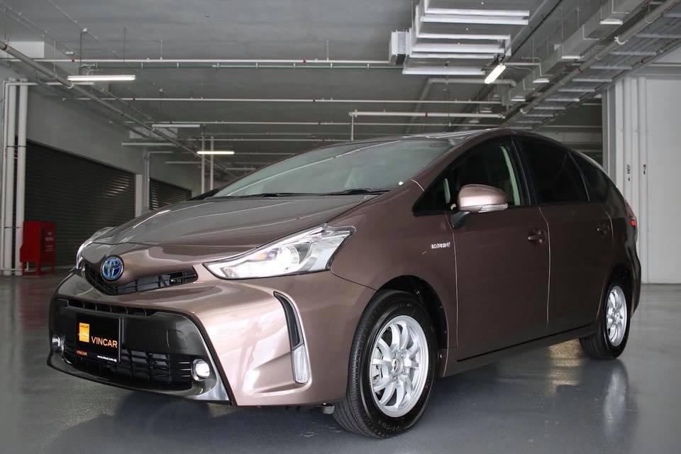 Highly economical MPV - Toyota Prius Alpha S