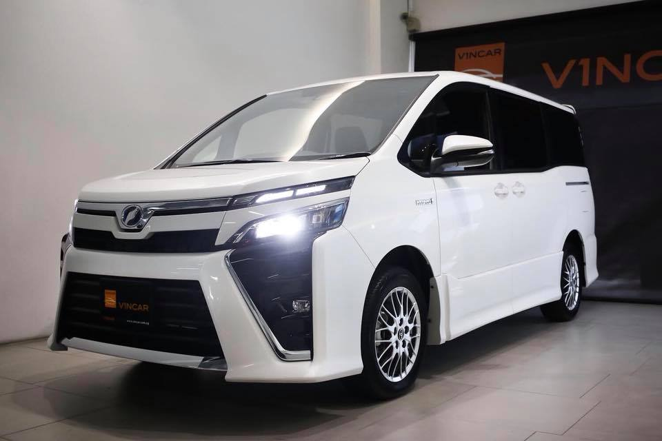 Hybrid that is unique Toyota Voxy ZS