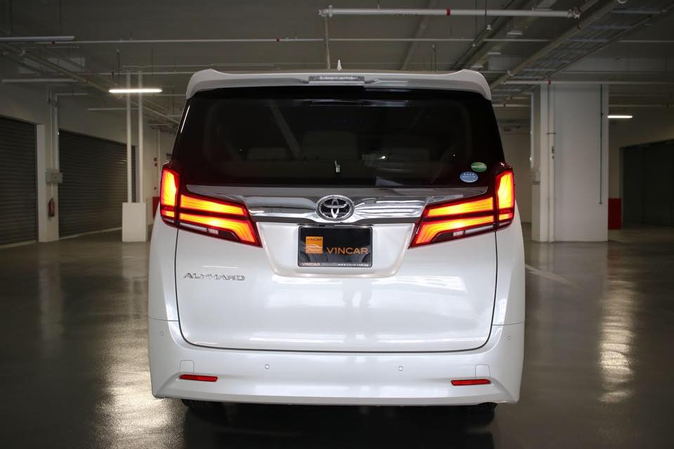 King of luxury MPVs - Toyota Alphard