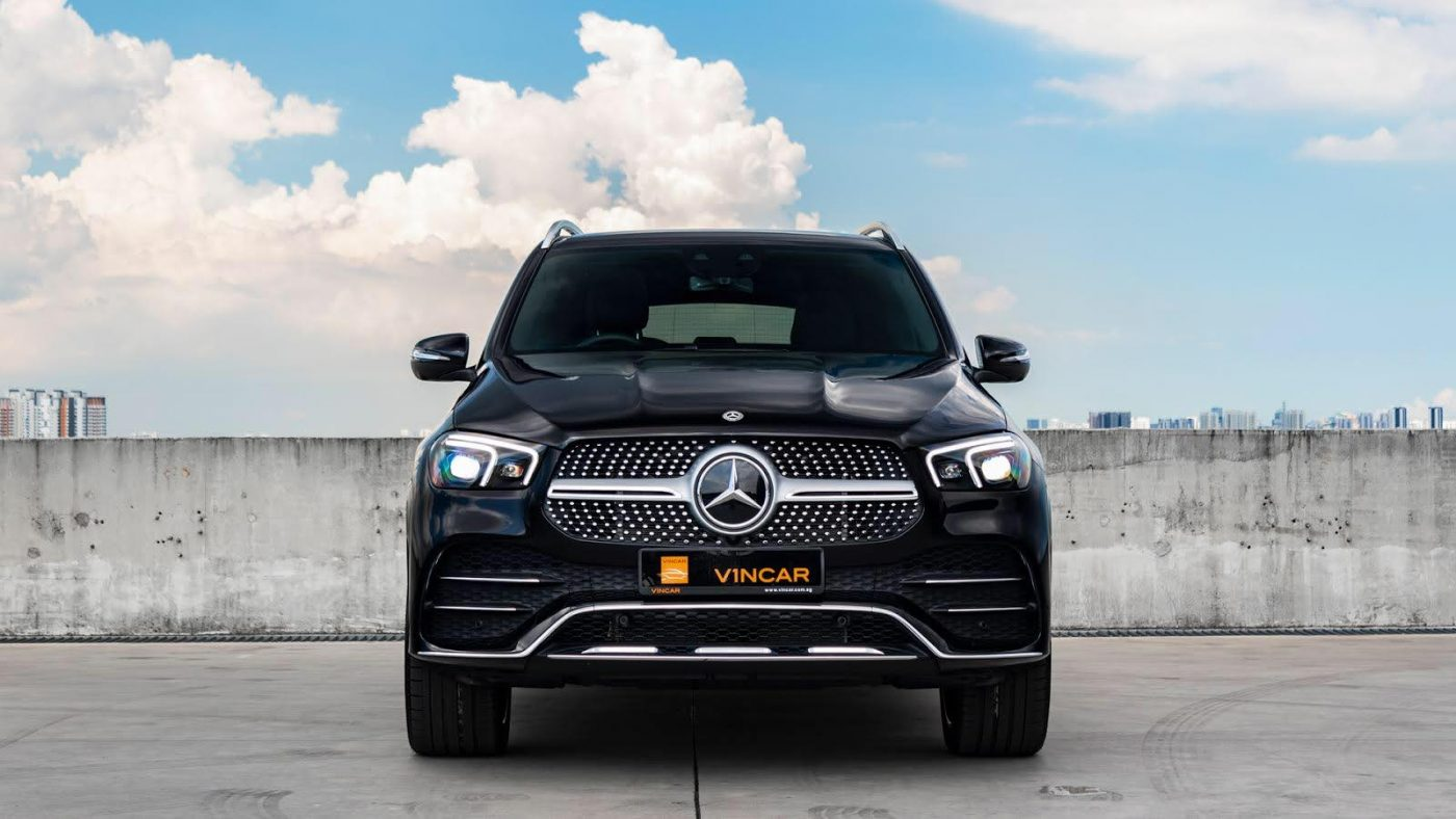 Mercedes-Benz GLE450 4MATIC AMG Premium Plus - Front