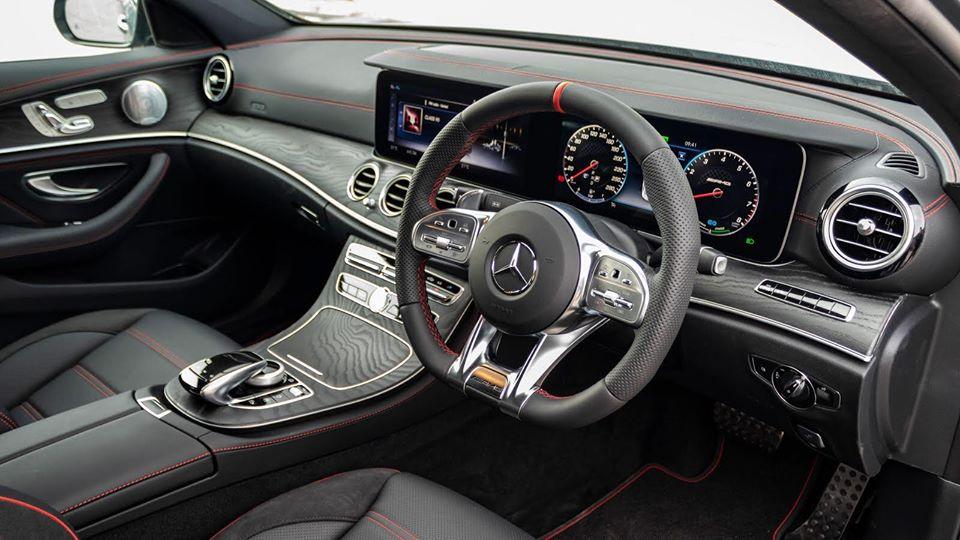 Mercedes-Benz - Steering Wheel 1
