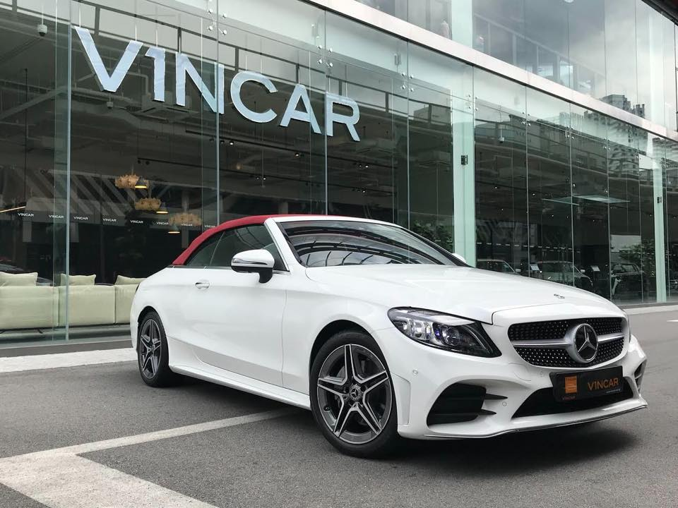Newly facelifted Mercedes-Benz C200 Cabriolet AMG Premium Plus