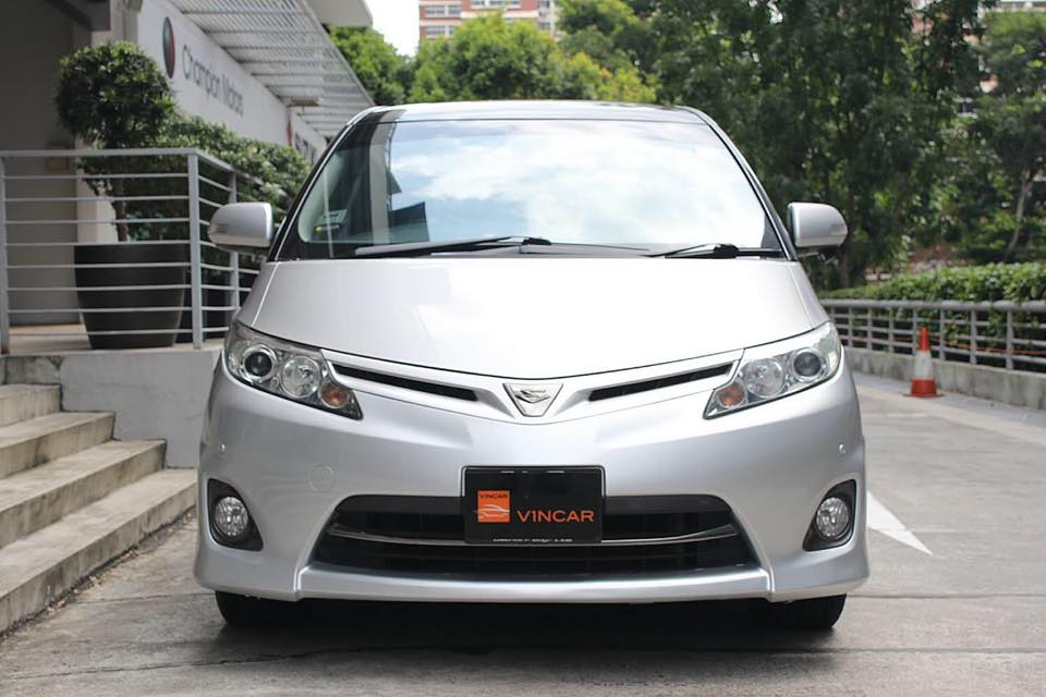 Own a well-maintained pre-loved var!-Toyota Estima 2.4 Aeras