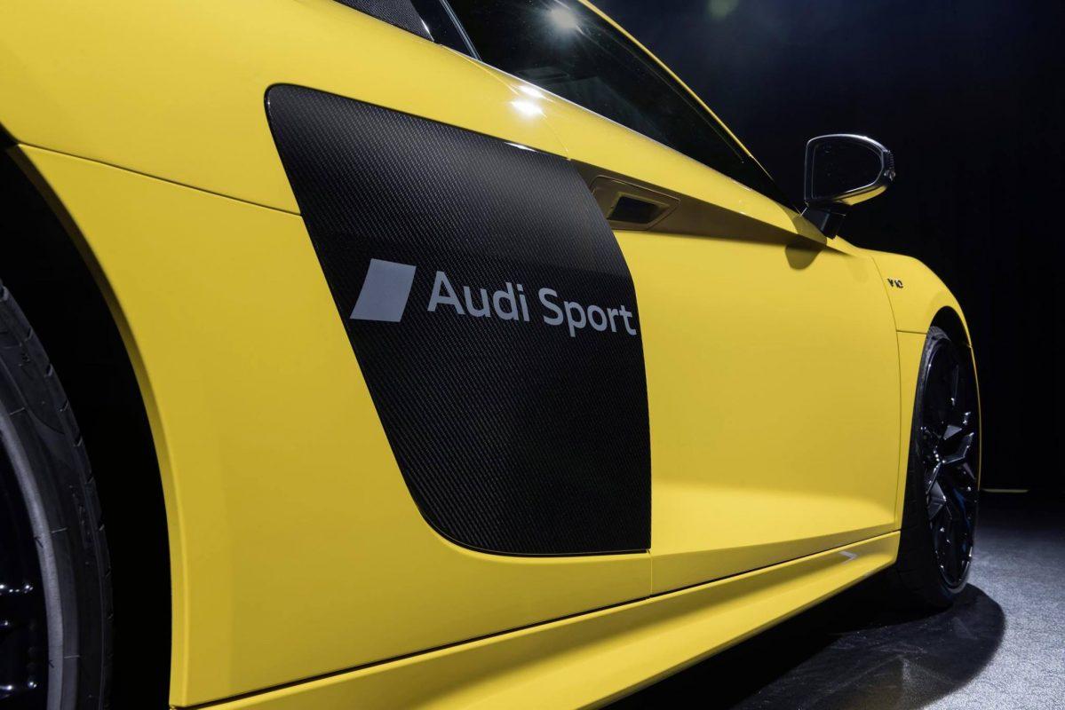 Partial matting on Audi R8 - Definitely cool!