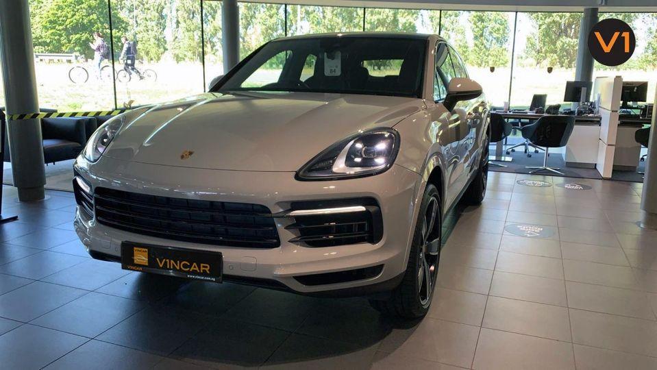 Porsche Cayenne S Coupé in Crayon is arriving into our fleet