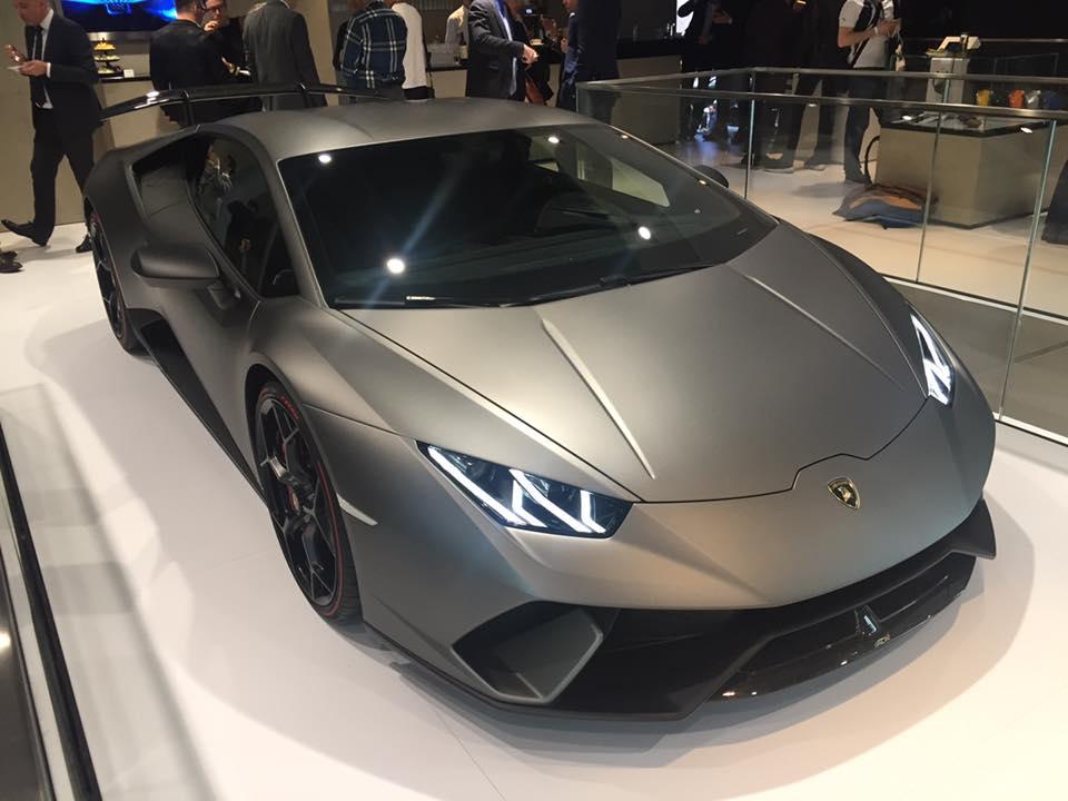 Presenting the Lamborghini Huracan Performante