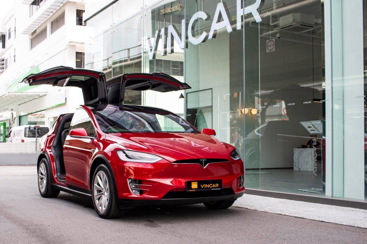Tesla-Model-X-75-D-Front-Angle