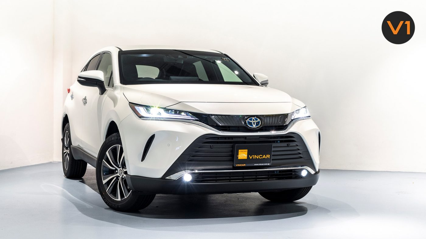 The 2020 Toyota Harrier is now available at VINCAR!