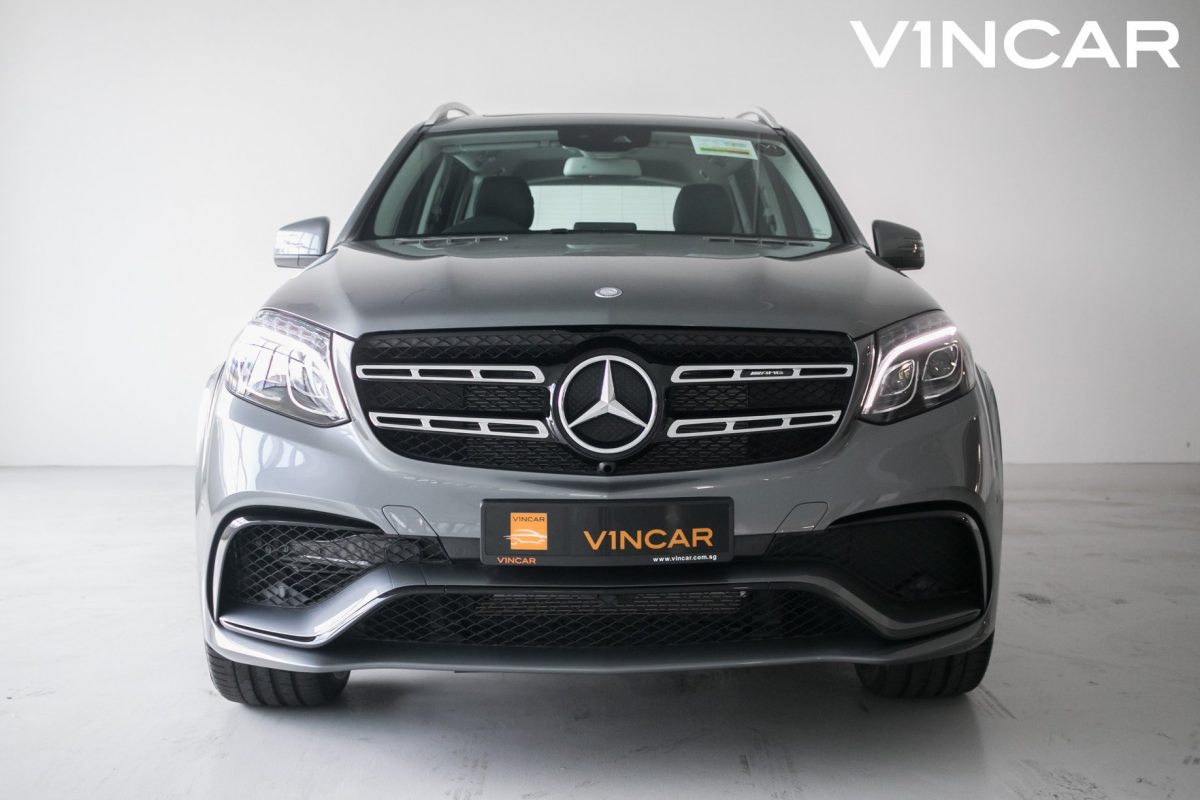 Mercedes-Benz GLS400 with GLS63 Night Package exterior kit