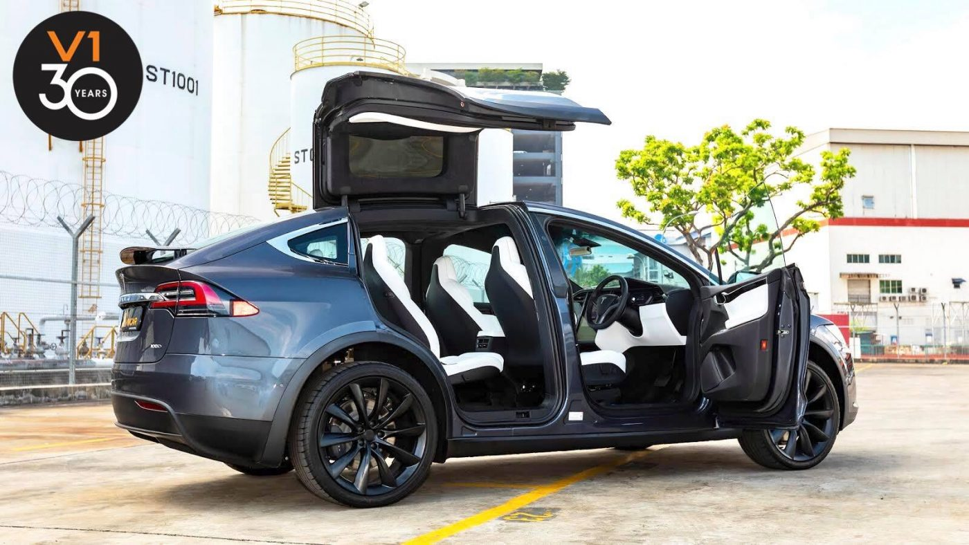 The Stylish Tesla Model X 100D in our showroom