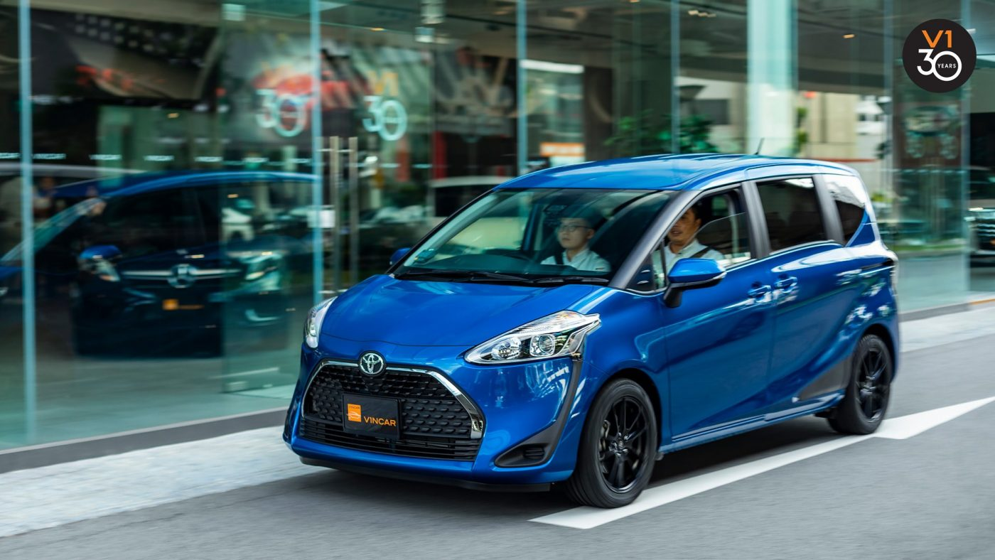 The Toyota Sienta is what you need - 1