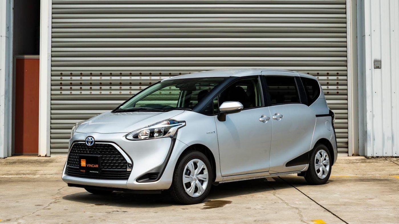 Toyota-Noah-1.8X-Hybrid- Side Profile