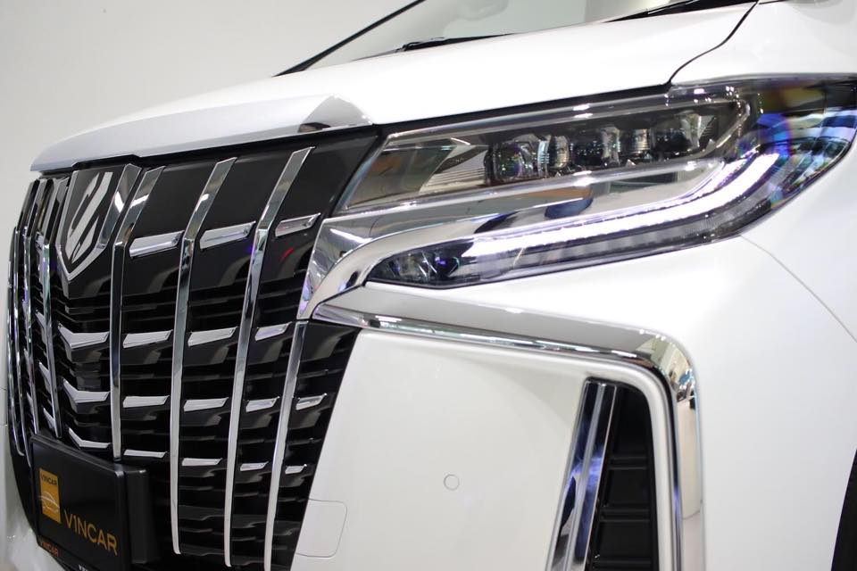 Toyota Alphard named after constellation Hydra