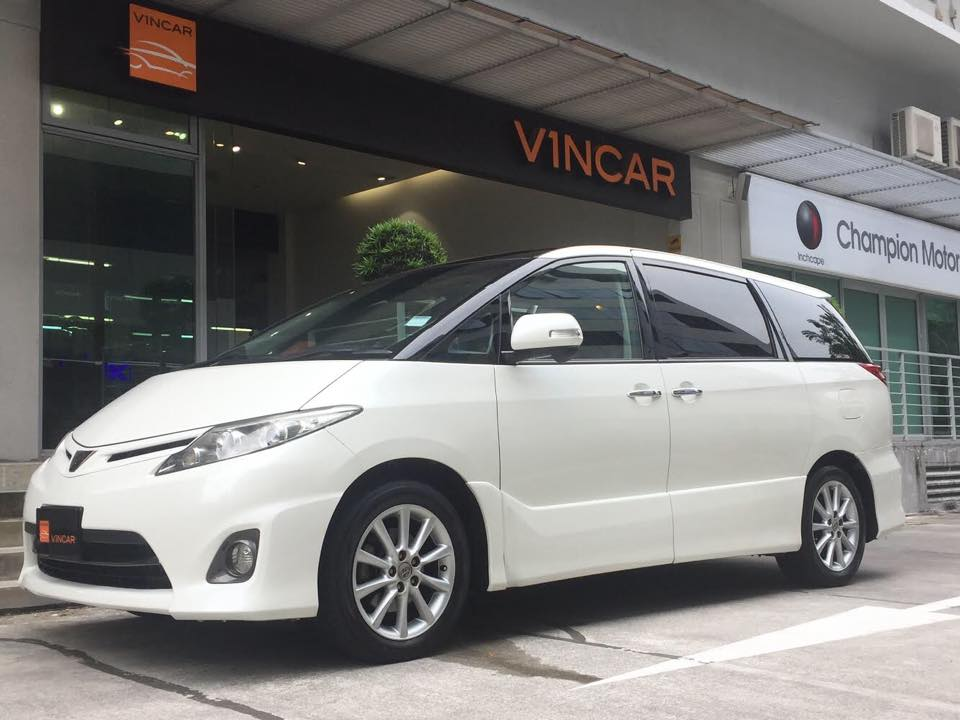 Well-maintained MPVs waiting for new owners-Toyota Estima 2.4 Aeras