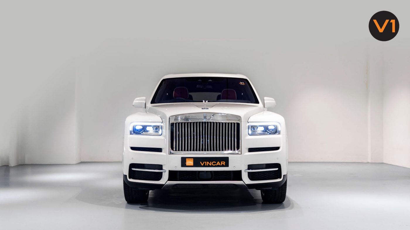 First-ever off-road SUV - Rolls-Royce Cullinan is here!