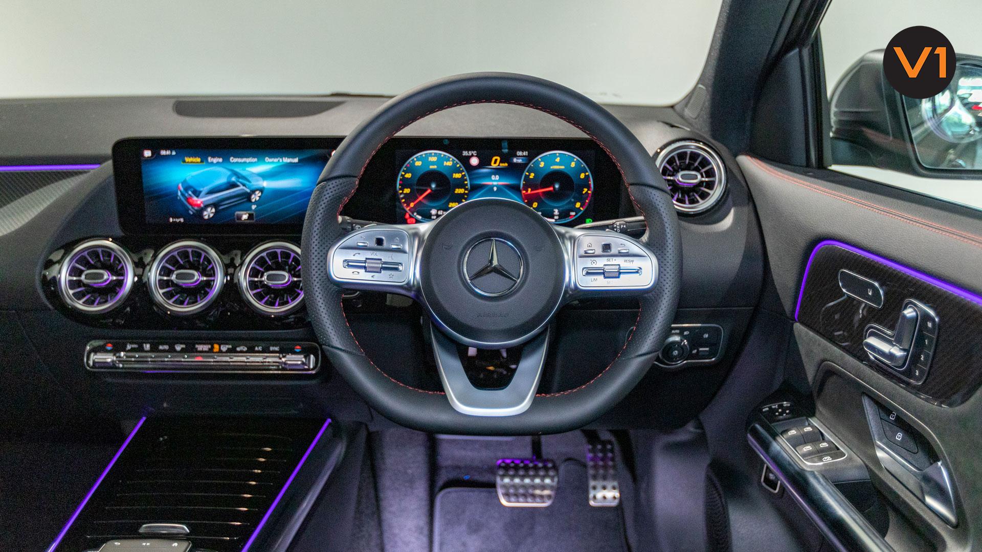 Mercedes-Benz GLA200 AMG Premium Plus - Steering Wheel