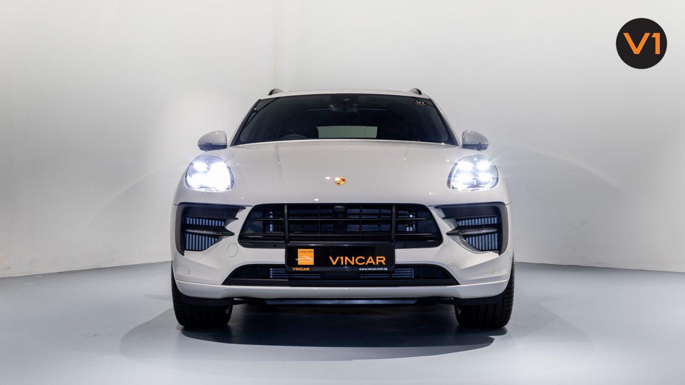 Porsche Macan GTS - Front Direct