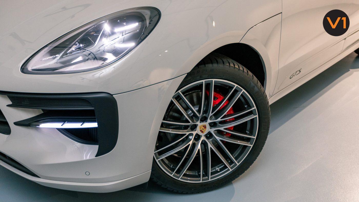 Porsche Macan GTS - Wheel Angle