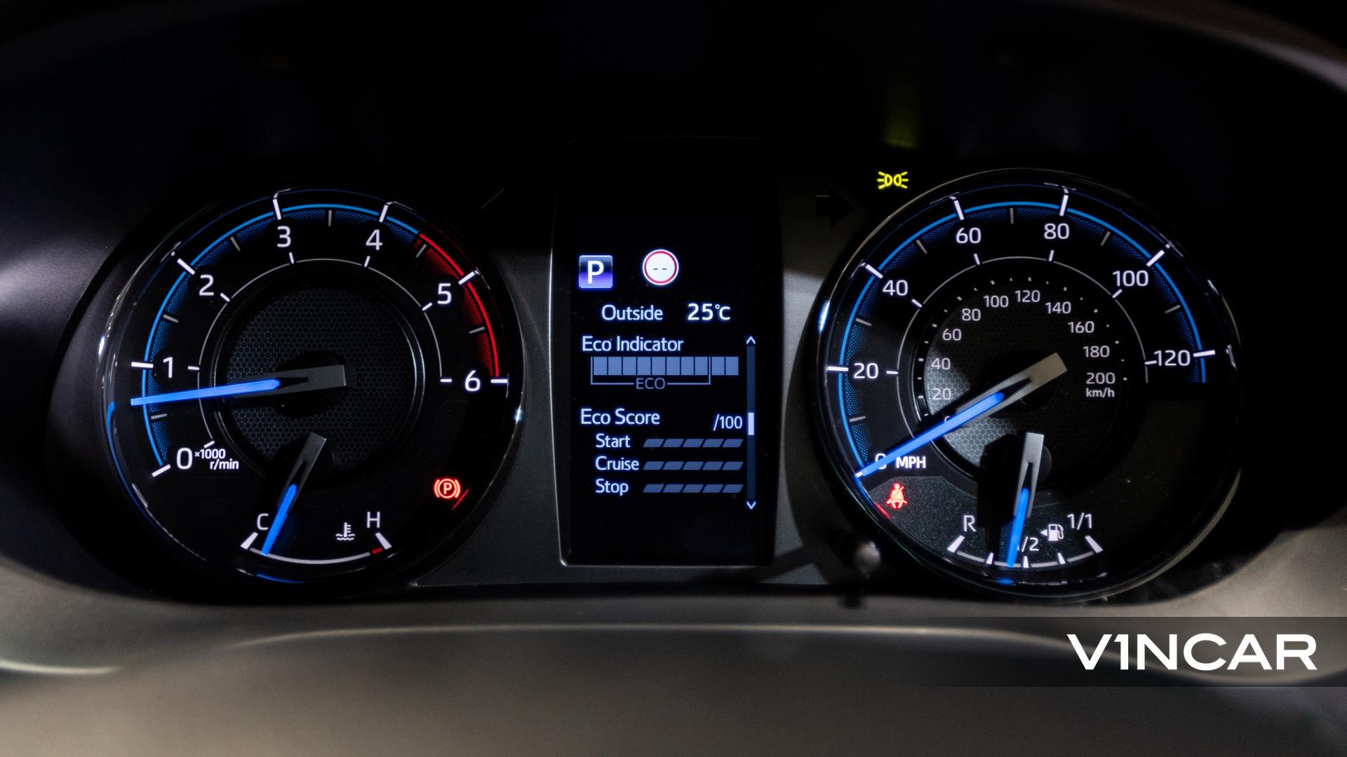 Toyota Hilux Double Cab Auto Invincible X (FL2021) - Digital Gauge