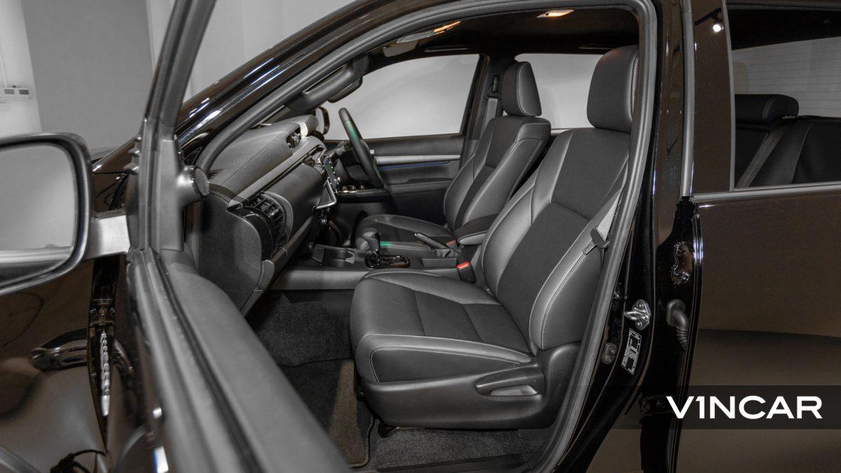 Toyota Hilux Double Cab Auto Invincible X (FL2021) - Front Passenger's Seat