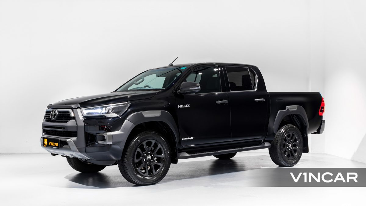 Toyota Hilux Double Cab Auto Invincible X (FL2021) - Side Profile