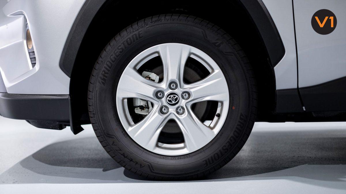 Toyota RAV4 2.5 GX Hybrid - Alloy Wheels