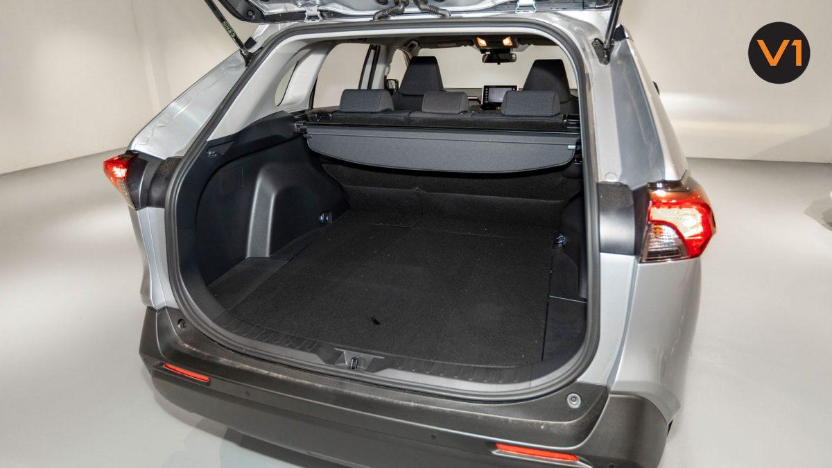 Toyota RAV4 2.5 GX Hybrid - Boot Space